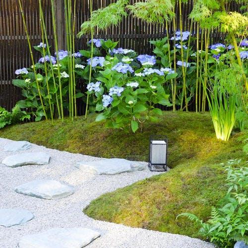 jardin zen inspiré des temples japonais