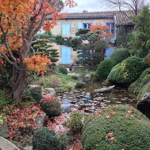 Jardin zen d'Erik Borja, maison et bassin