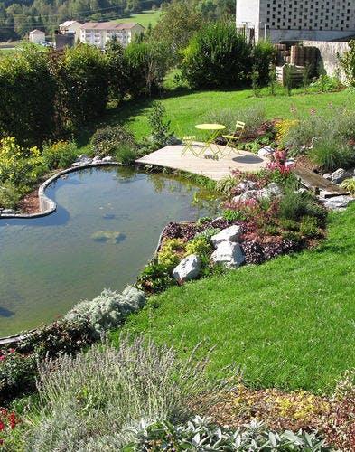 Pas-à-pas: créer un bassin sur un terrain en pente