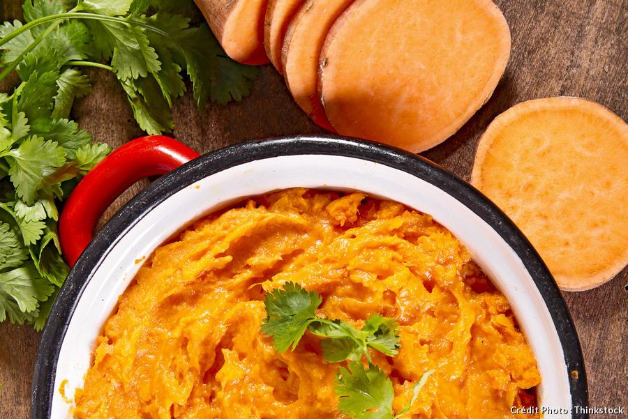 Purée de patate douce de couleur orange