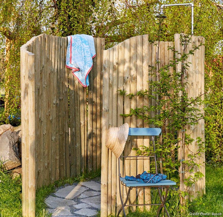 Créer une douche d\'extérieur - Détente Jardin