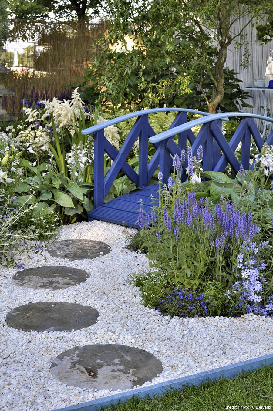 Fabriquer Un Petit Pont De Bois un jardin bleu de chine - détente jardin