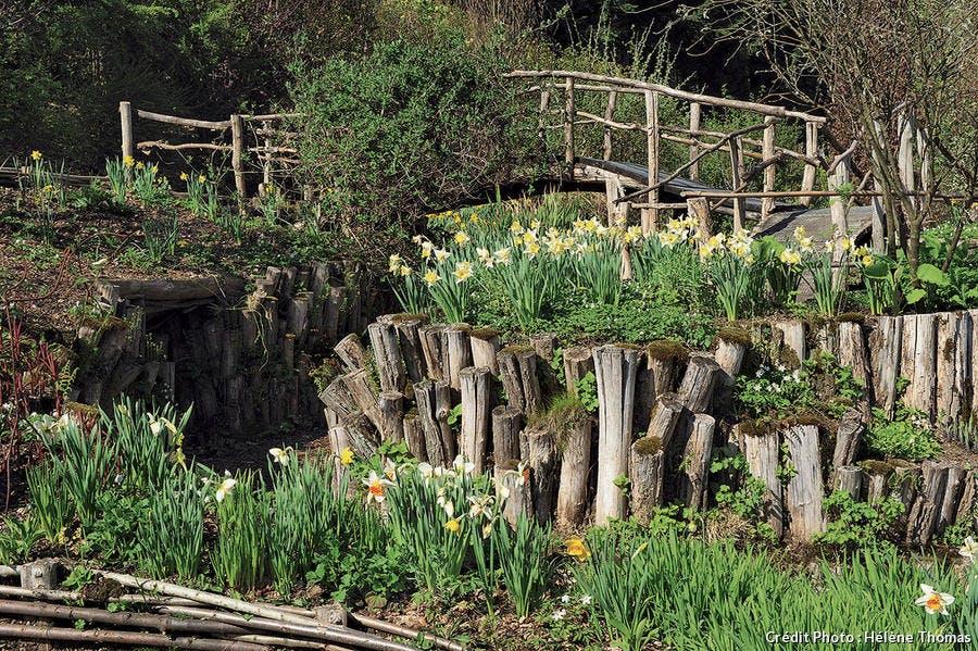 Montagne de bois au jardin de Berchigranges