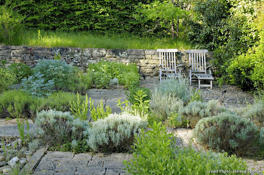 Jardins de l'Albarède, damier de plantes aromatiques