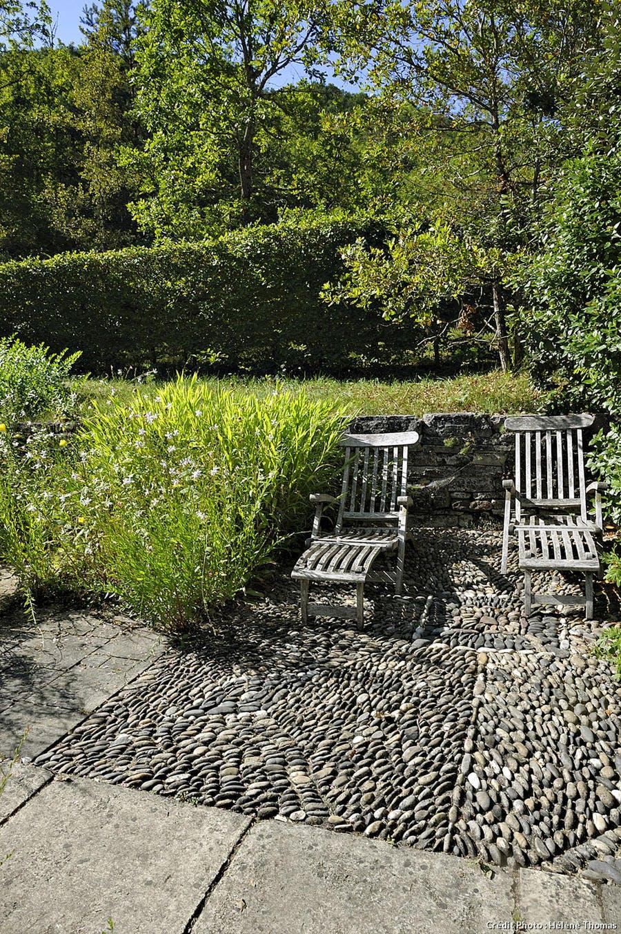 Les jardins de l'Albarède, sols en calades