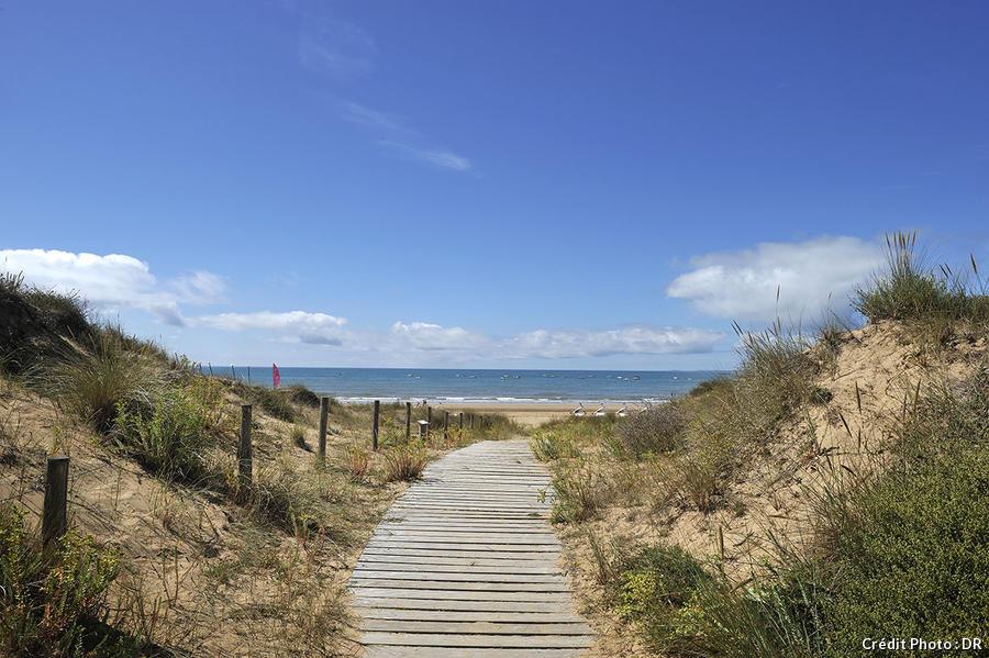 Chemin menant à la plage