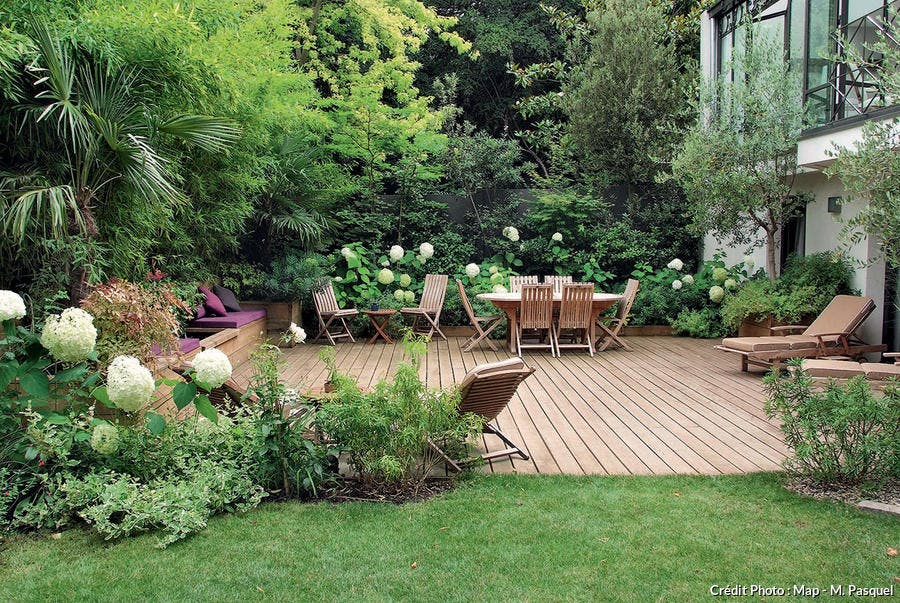 Un jardin l 39 abri des regards d tente jardin - Isoler son jardin des regards ...