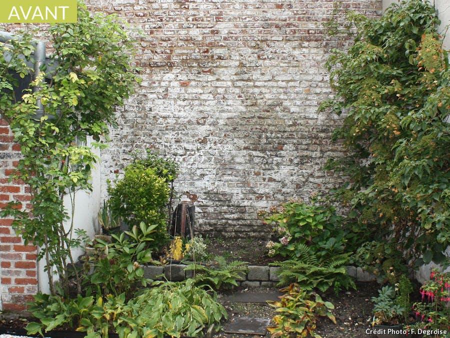 avant apr s une petite cour transform e en cocon romantique d tente jardin. Black Bedroom Furniture Sets. Home Design Ideas