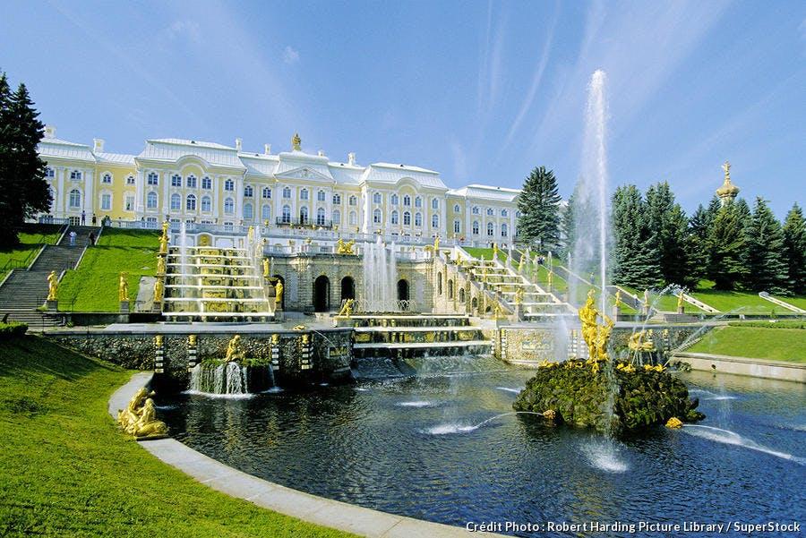 Jardins Peterhof en Russie