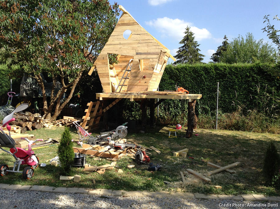 Construction de la cabane en bois