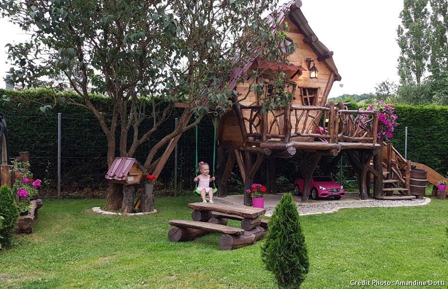 cabane en bois réalisée dans un jardin des Vosges