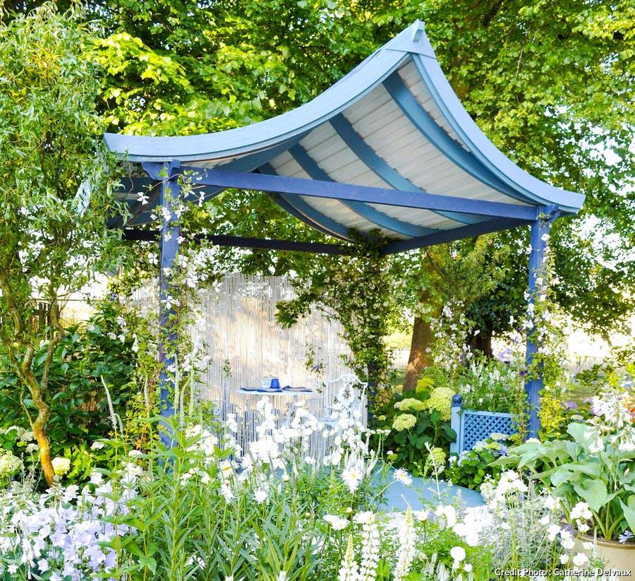dja-kiosque-de-jardin-pagode-bleu-de-chine-c-delvaux.jpg
