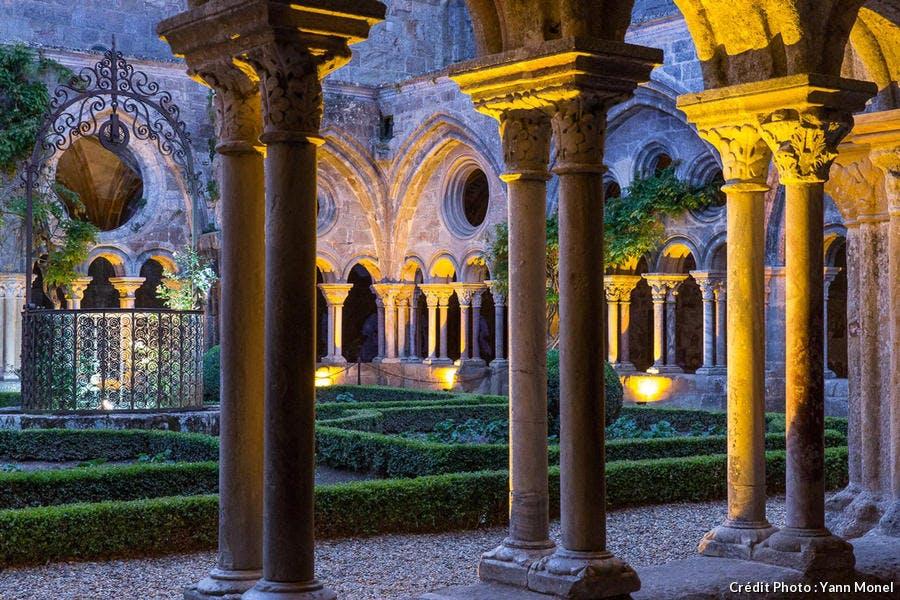 dja-nuit-abbaye-fontfroide5-yann-monel-1119.jpg
