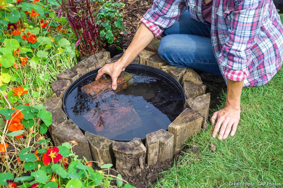 Mettre des briques dans le bassin