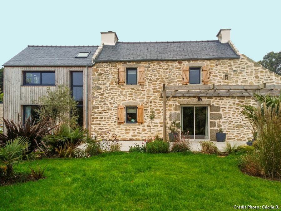 maison dans jardin breton