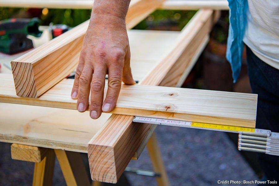 Réalisation du brise-vue en bois