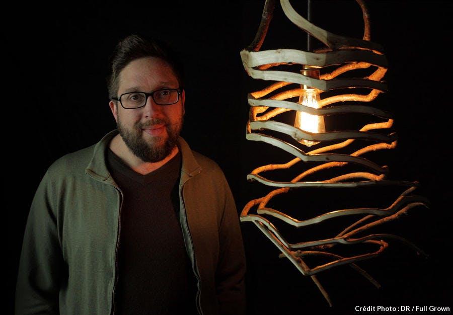 Gavin Munro et sa lampe fraîchement récoltée