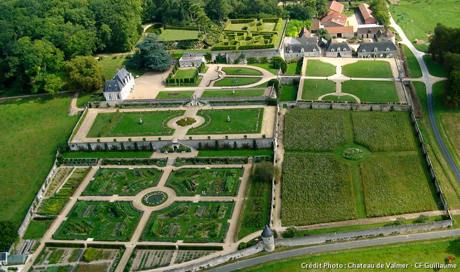 djweb_potagers_chateau_de_valmer_visuel_aerien_c_f._guillaume.jpg